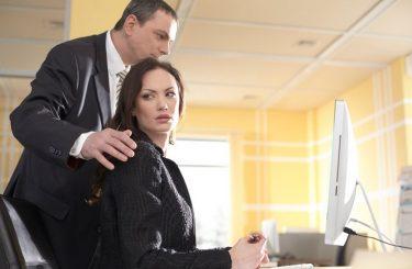小さい事務所に勤務していて、セクハラにあっています。事務所に特に規定もないのですが、訴えることはできるでしょうか。